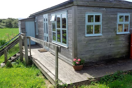Cosy Cabin Retreat near Ballydehob