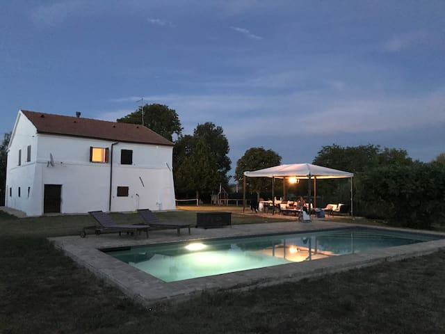Your own country house with private pool in Marche