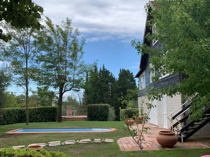 Villa in Montelupo  with garden and private pool
