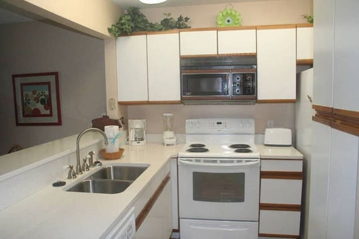 1 Bedroom Villa at Seascape Resort Pets OK - Miramar Beach - House