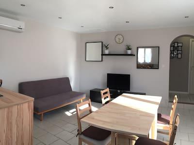 Maison entière  4/ 6 pers, terrasse, tout confort