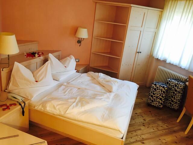 Hotel Stella Montis**** Camera e Colazione