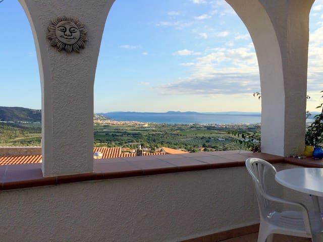 ALB- Preciosa casa con piscina y vistas al mar - El Mas Fumats - House