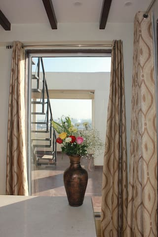 Room in panthouse with terrace 5 mn from center - Jaipur - Leilighet