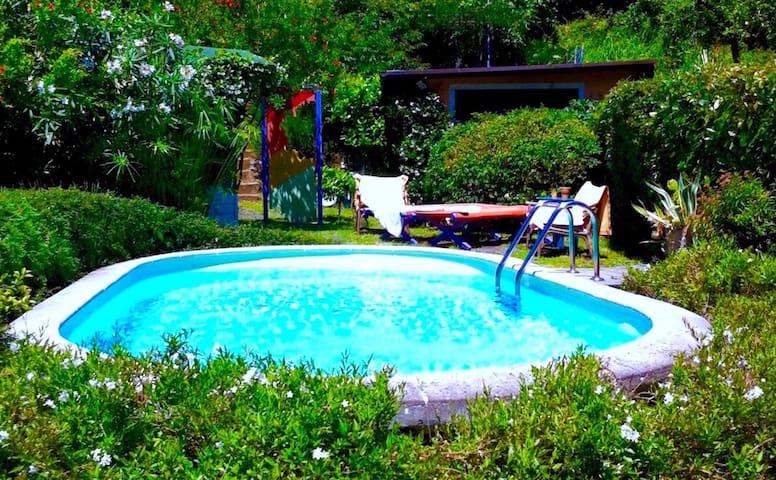 Awesome private triple room en suite bathroom swimming-pool a.c. wi-fi 3L - Valdicastello - Villa