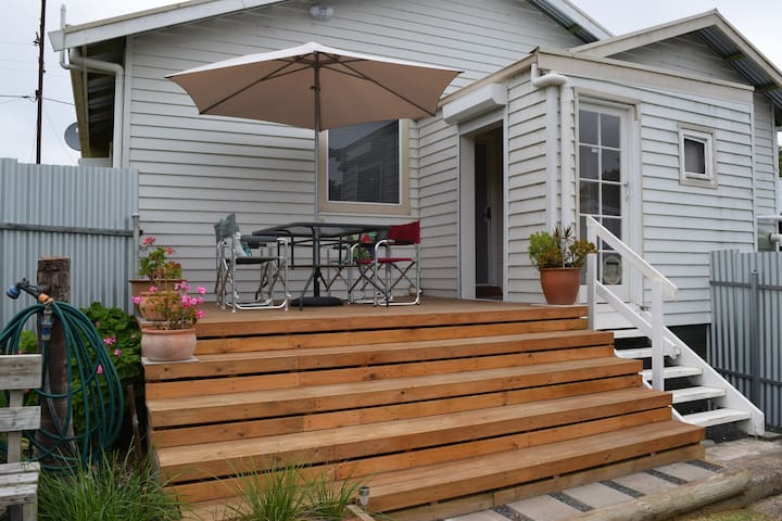 Burr Cottage centrally located in Limestone Coast