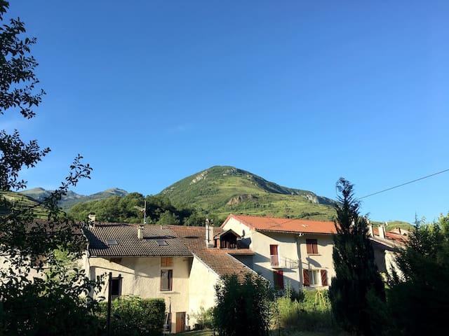 Dans un petit village de montagne - Albiès - Casa