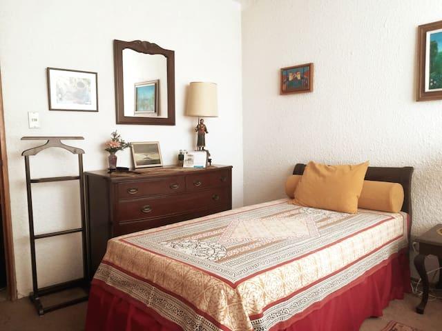 Acogedor cuarto en hermoso departamento, San Angel