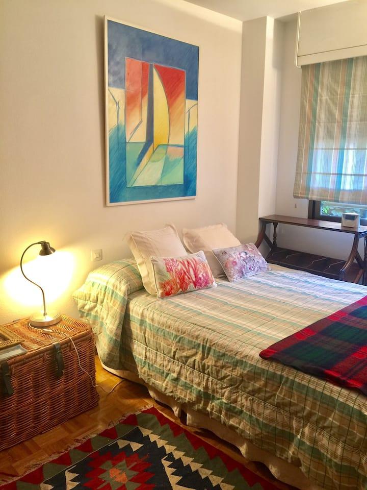 Bonito dormitorio + estudio bien comunicado