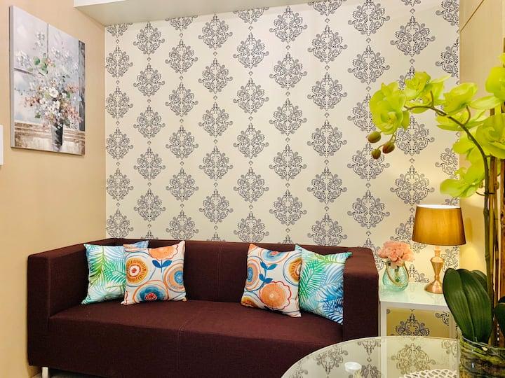 The Fancy Suite w/Balcony@Grass T4 w/WIFI+NETFLIX