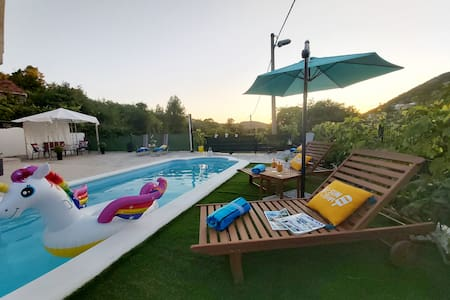 Holiday House Ivona with swimming pool