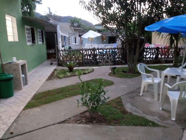 Suíte Garden na Praia do Lázaro, 150mts da praia