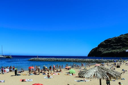 Beach 2 min walk. Center. WiFi - Machico