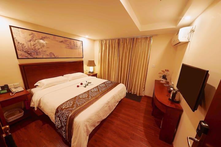 日朗德酒店特价房出租含粤式早餐一份1.5m大床