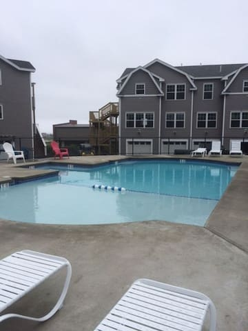 Brand New & Beautiful 2-Bedroom Condo in Wells