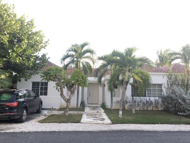 Villa Allegra, Punta Cana Village