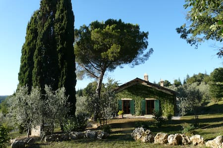 """Il pino"" – Gorgeous country villa with pool - Monteleone Sabino - Huis"