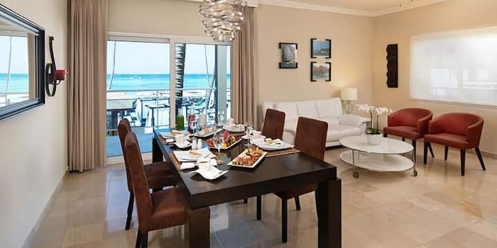 Luxury 2 Bedroom Suite in 5 Star Beachfront Resort