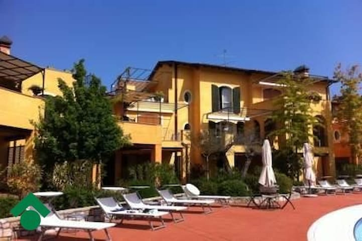 luxury house in luxury residence - Manerba del Garda - Dom