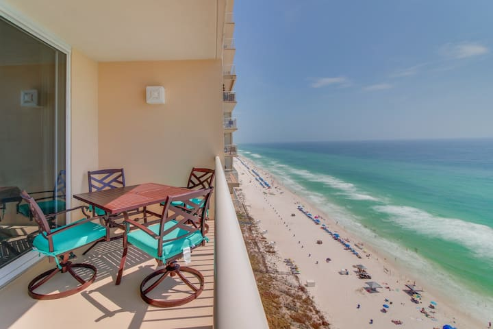 Oceanfront resort w/ pool, sauna, hot tub, tennis, views! Great for couples!