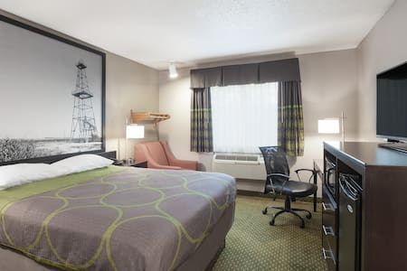 Weekly Rate $350+ Tax - Bedford - Hotel boutique