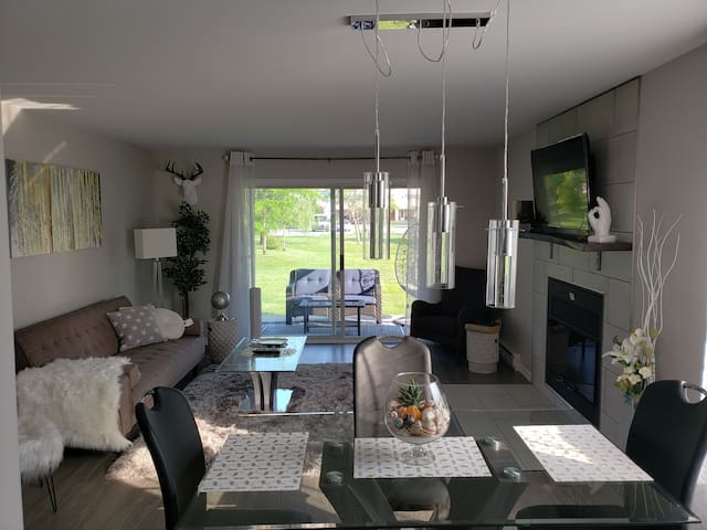 Beautiful condo on the outskirts Lake Memphremagog
