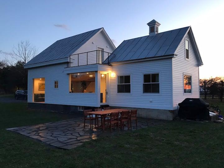 Hudson Ice House, 25 acre retreat, week discount!