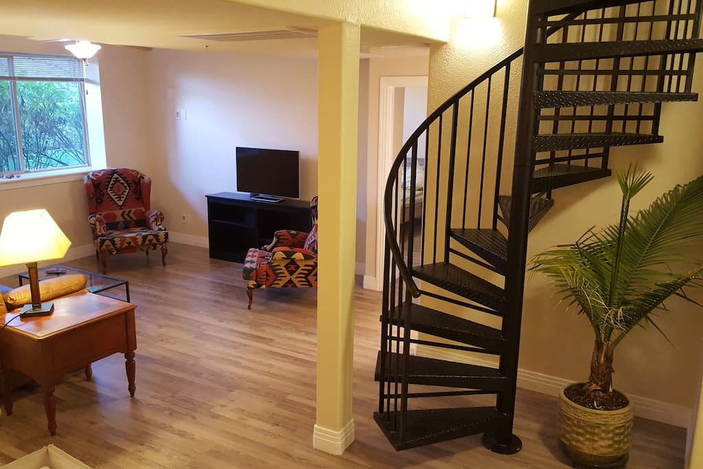 900 sq ft suite with private entrance in dtc apartments for 900 square feet apartment