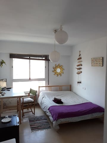 CENTRALLY LOCATED ROOM WITH BREAKFAST 2+1