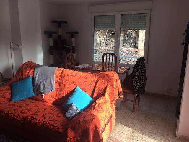 habitación en casa tranquila - Valencia - Bed & Breakfast