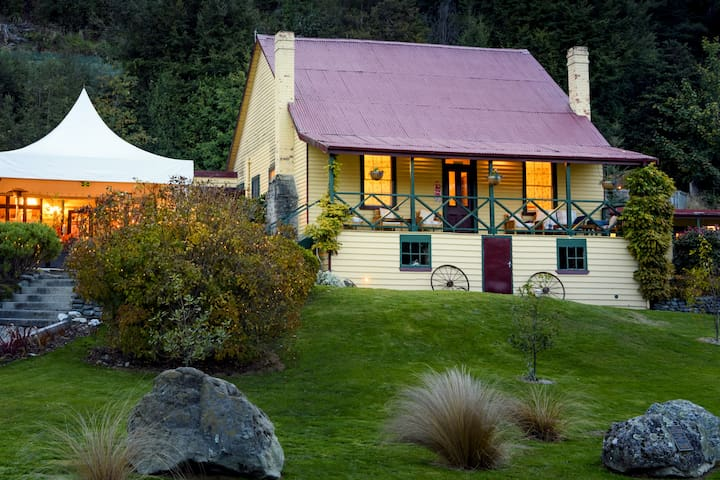 Whole Heritage Lodge at Kinloch Lodge