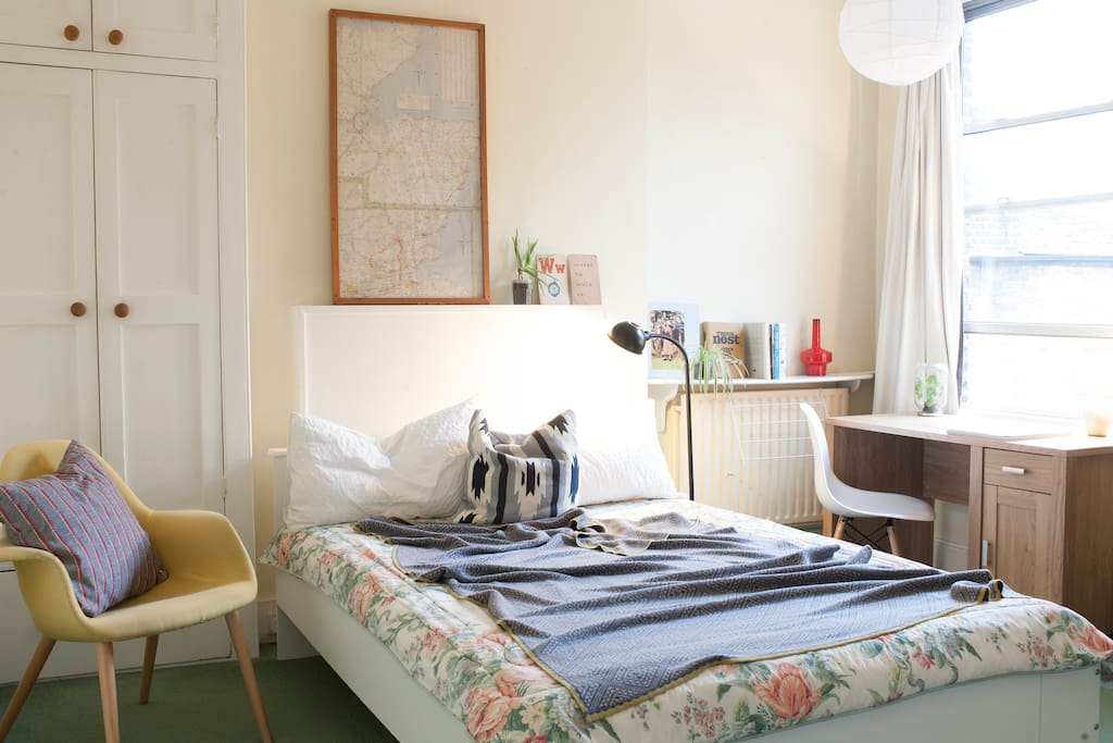 Bright cosy room in Kensal Rise