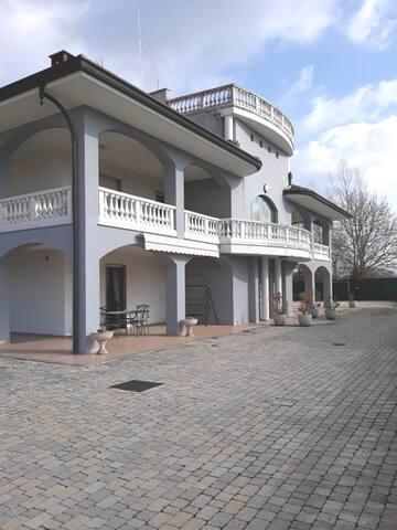 Meravigliosa Villa vicino al LAGO MAGGIORE