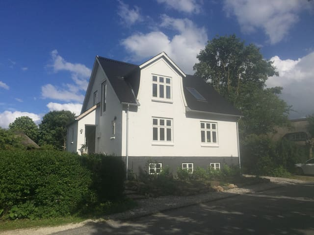 Lovely modern house in idyllic setting near Aarhus - Viby - House