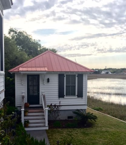 Cottage on Shem Creek/Chas Harbor - Mount Pleasant - Guesthouse