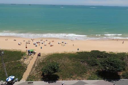 Apartamento frente mar P. da Costa - Vila Velha