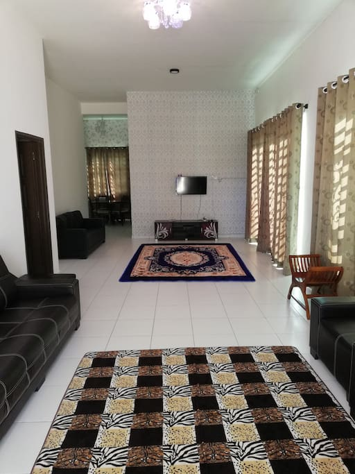Living room/Common room/Family gathering space/TV LCD/ASTRO NJOI