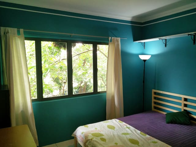 Comfy and fresh middle room in a perfect location - Kuala Lumpur