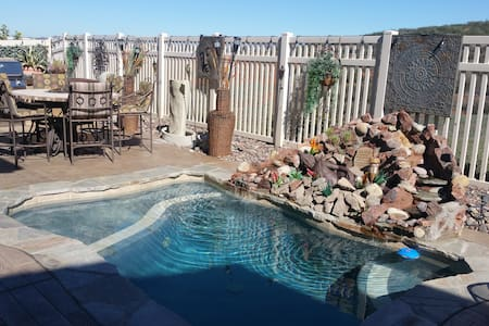 Tranquil spa home close to wineries - Murrieta - Bed & Breakfast