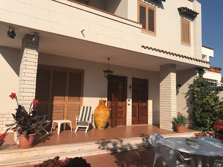 cottage in Canneto Beach