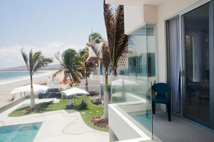 Beachfront Flat, Clara Vista #12, La Manzanilla