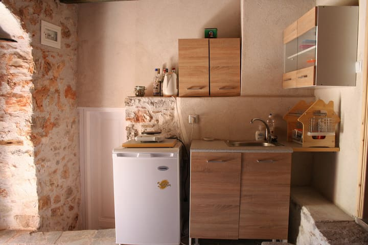 """SPARTA GAIA Cottage Apartment 1, """"Traditional"""", fully equipped kitchen space"""