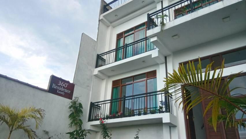 360 Residence, Kandy