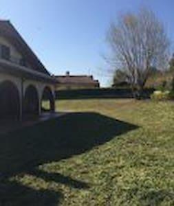stanza in villa  immersa nel verde - Genzano di Roma