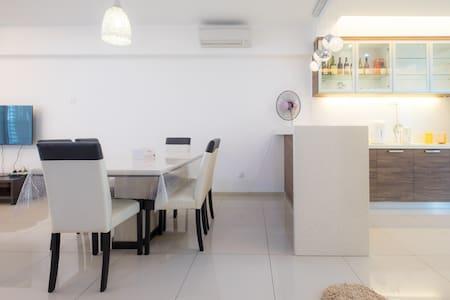 Cozy Private Room c/w Ensuite @ Balik Pulau ! - Balik Pulau