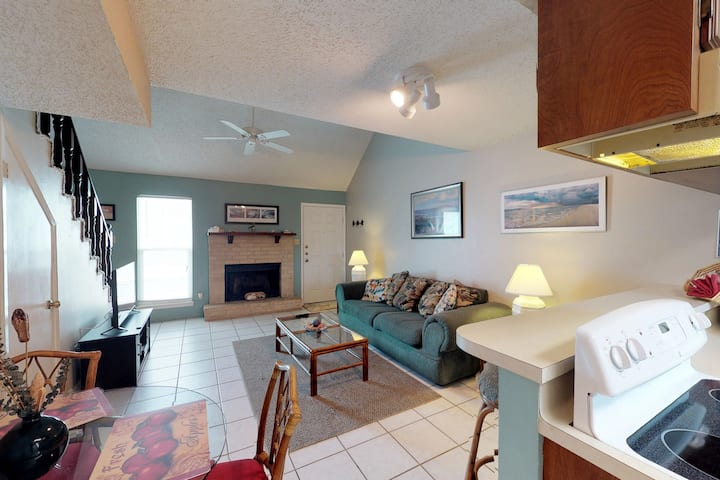 Dog-friendly condo w/ shared hot tub & pool, moments from beach