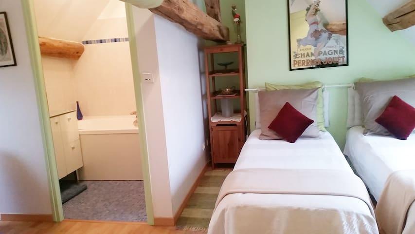 Fée Verte  2 lits séparés 80X200