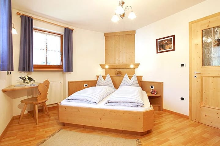 Cozy farmhouse apartment, Larciunei de sot, blue