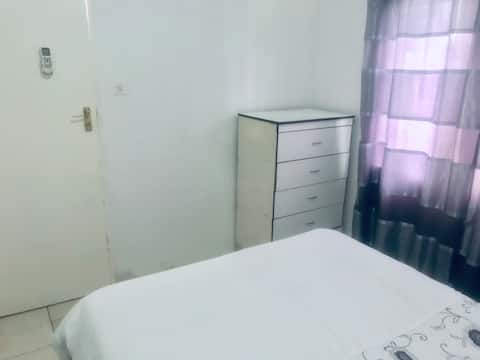 Cosy Air Conditioned Room w/ Private Entrance