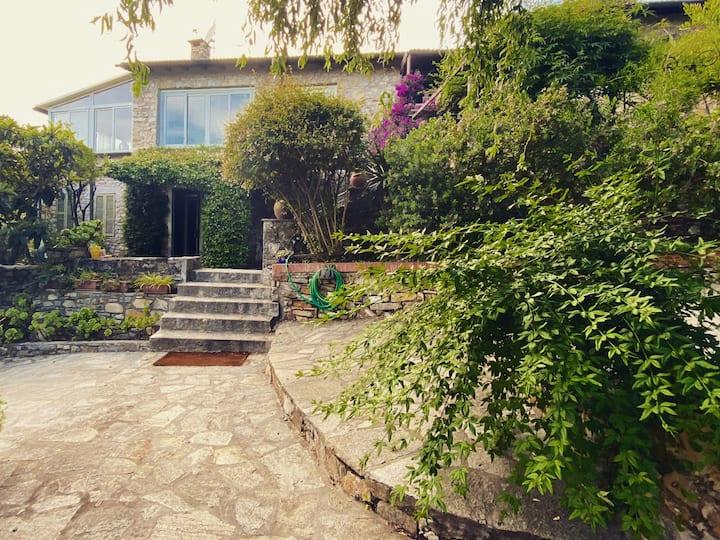 Villa con giardino a San Simone - Cervo
